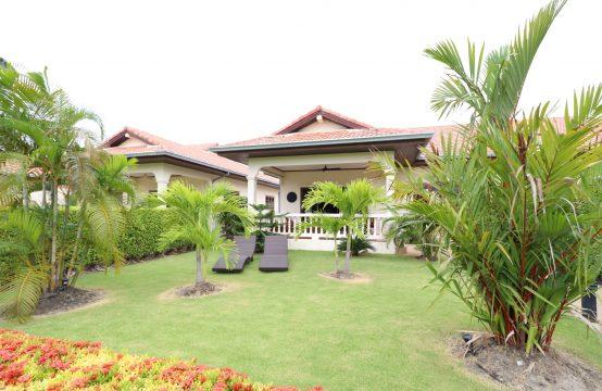 Semi detached house Baan Lisa 19 A